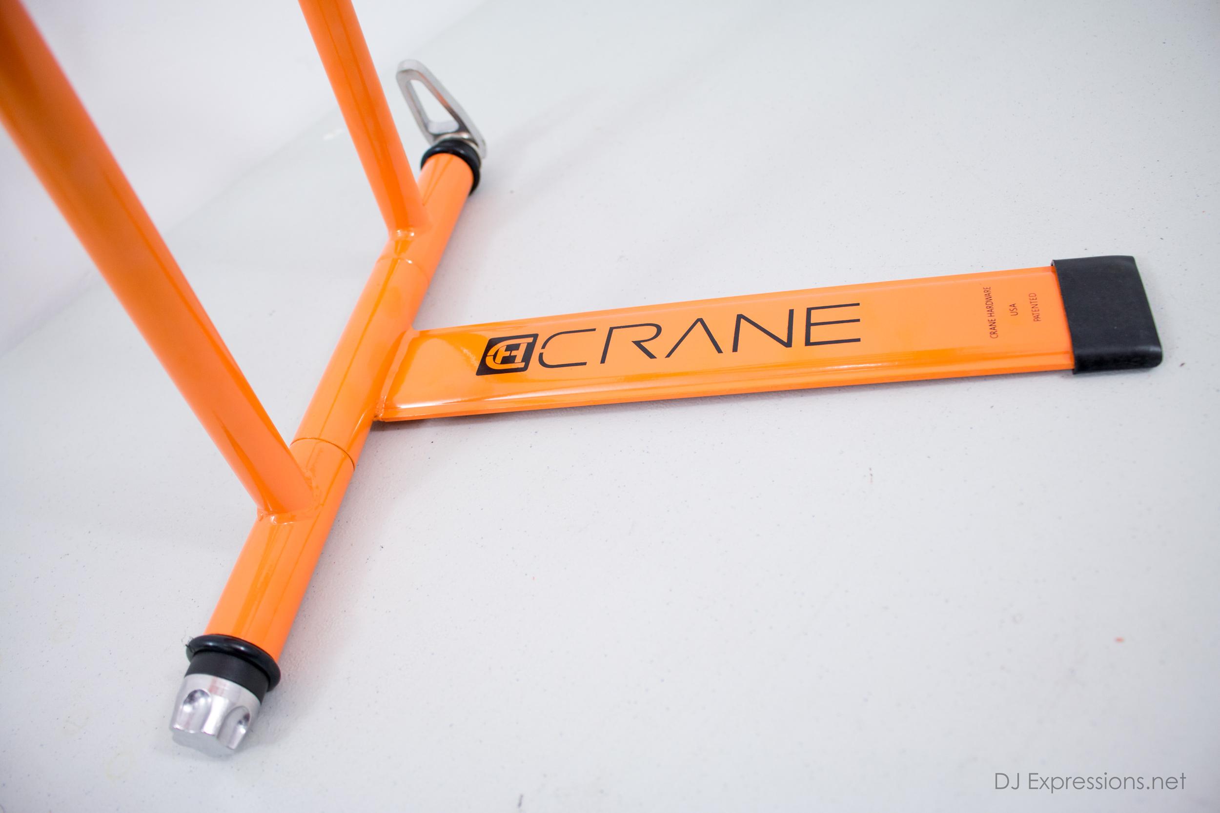 crane_plus_orange_04